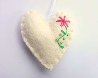 White heart ornament with flower emroidery felt wedding decoration for Valentine's day Christmas Baby It's a Nursery eco-friendly home decor