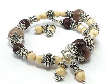 Memory Wire Bracelet, Spring Jewelry, Bohemian Bangle Bracelet, Spring Bracelet, Gift for Mom, Sun Stone Bracelet, Mother's Day Gift