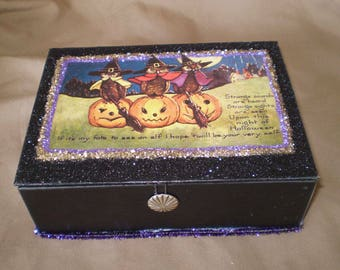 vintage style decoupage Halloween decoration jewelry trinket box retro old fashioned owls primitive decor