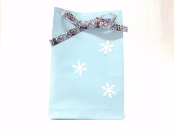 Blue Paper Bag Stand up Frozen Paper Bag Wedding Favor Bags Birthday Party Favors Christmas Gift Bags Birthday Girl Favor Bags Baby Shower.