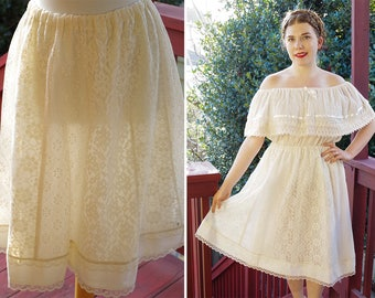 IVORY Lace 1960's 70's Vintage Cream Lace Bohemian Mid Length Prairie Skirt // size Small Medium // by Carefree Fashions