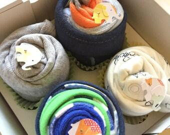 2 Bodysuits and 4 Washcloths Baby Gift Cupcake Set // Shower gift, Baby Gift Set, Baby Gift, Baby Shower Decorations
