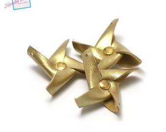 """4 charms in faux leather """"Windmill"""" 38 x 38 x 6 mm, gold"""