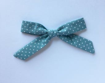 Skinny knotted bows in Backpack Blue || Headband or hair clip.