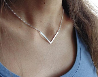 V Necklace - Triangle Necklace - Arrow Necklace - Dainty Silver Necklace - Geometric Necklace-Layering Necklace-Chevron Necklace