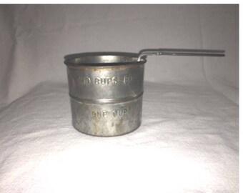 1930's Vintage 2 Cup Flour Sifter