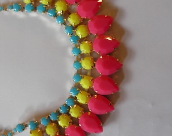 Yummy Colored Bib Rhinestone Necklace