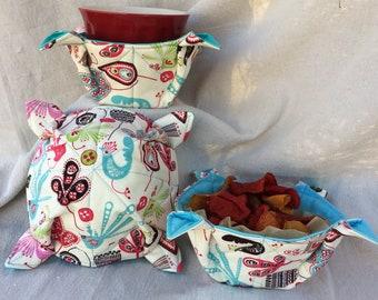 Folk Art Birds Food Bowl Cozy/ Microwavable