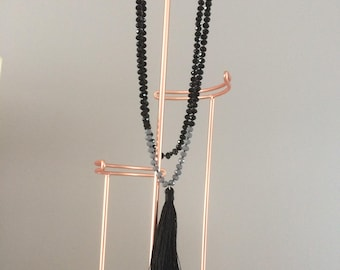 bright necklace black and grey