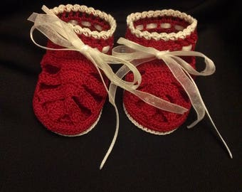 Ready to Ship, Crochet Baby Sandals, Crochet Baby Sandals with Pearls, Newborn Baby Shoes, Baby Sandals, Booties, crochet booties