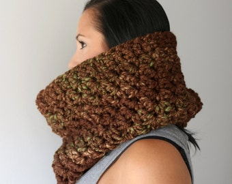 Wool Blend Bella Cowl, Mesquite Browns Circle Scarf, Spicy Brown Neck Cozy, Crochet Neck Warmer, Winter Fashion Accessories