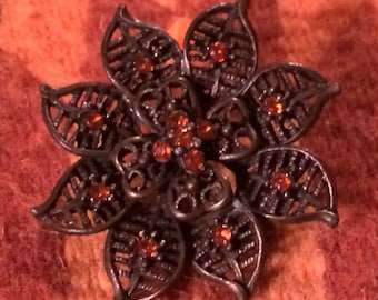 Sale - Vintage Flower Brooch Pin