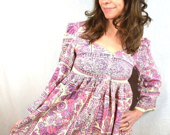 Gorgeous Vintage 1970s 70s Tapestry Purple Pink Cotton Boho Indian Maxi Dress