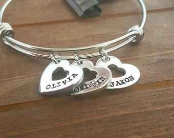 Mommy Kid Name Bangle Bracelet Heart Charms Personalized New Mommy Gift Bracelet Heart Charms Family Charms