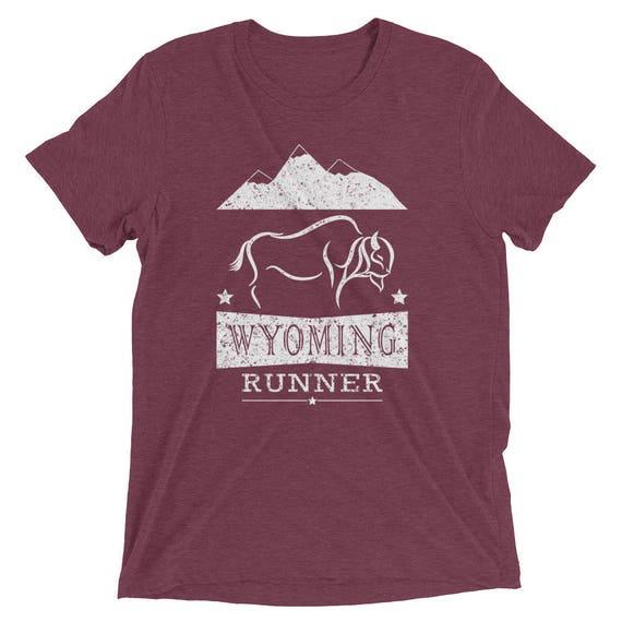 Men's Wyoming Runner Triblend T-Shirt - Run Wyoming - Men's Short-Sleeve Running Shirt