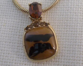 Caramel pendant necklace