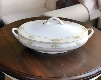 Noritake The Sedan Oval Covered Vegetable Dish