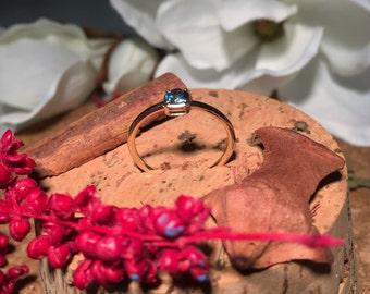 14 k yellow gold ring Swiss Blue Topaz