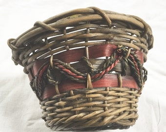 Woven Basket, Wicker Basket, Vintage Basket, Kitchen Decor