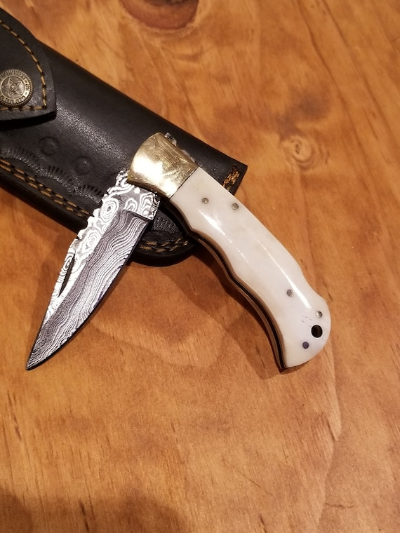Bone Handle Folding Pocket Knife Damascus Blade Hunting Collection With Leather Sheath Outdoors (K109)