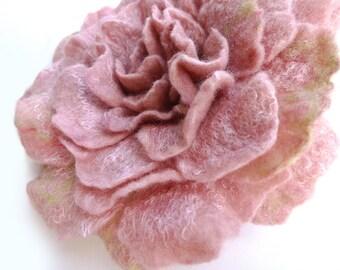 Dusky Pink Felted Rose