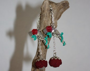 Pistol with red roses earrings