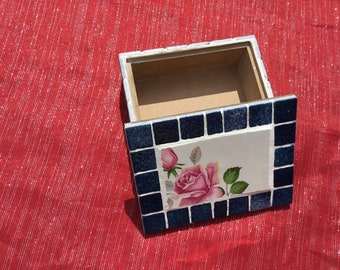 Glazes and ceramic mosaic box