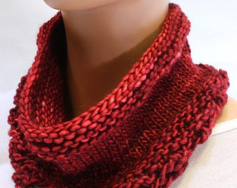Red Wool Cowl, Lace Neckwarmer High Quality, Hand Dyed Wool, Hand Knit, Holiday Gift, Gift For Her