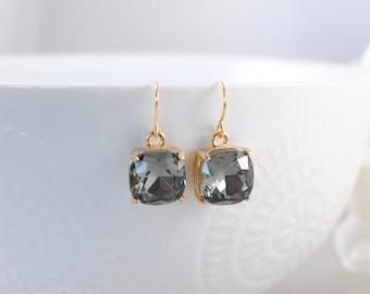 The Alexea Earrings - Grey