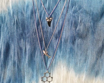 Biolojewelry - Layered H2O Water Molecule Shark Necklace