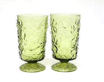 2 Anchor Hocking Lido Milano crinkle glass footed goblet water glasses olive green