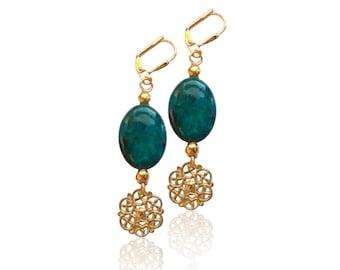 Sarcelle azurite gemstone or boucles d'oreilles, boucles d'oreilles vert foncé, marbré de pierres précieuses et or boucles d'oreilles, bijoux rustique, cadeau pour elle