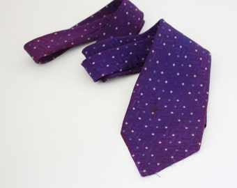 Retro 1970s Patterned Necktie - Purple - Vintage Men's Necktie - Wide Tie