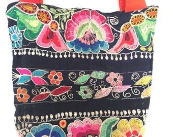 Unique boho ethnic tote bag made with Peruvian vintage fabric KP1