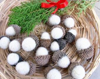 Jumbo felted acorns, Ivory needle felted acorns, natural fall botanical decor, wool felted acorns, handmade