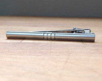 High quality matte silver tie bar with 4 stripes