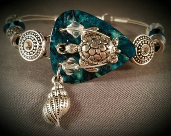 "Guitar pick and guitar string bracelet ""Turtle By The Sea"""