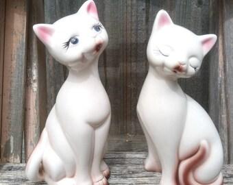 Pair of Vintage Ceramic cream Cats * Statue * Statuette * Decor * Decoration * Figurines * Siamese Cats Kittens Kitty