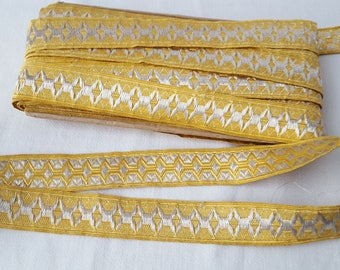 Vintage woven trim with metallic gold for religious or other textile 13273 thread