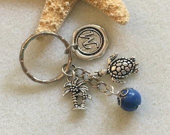 Sea turtle keychain with letter beach keychain personalized turtle gifts turtle jewelry friendship gift turtle monogram keychain