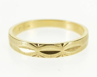14k Grooved Scalloped Pattern Graduated Band Ring Gold