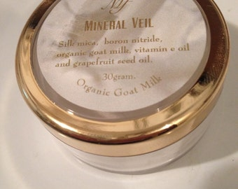 Mineral Veil  , Finishing powder 30 gm jar with organic goat milk