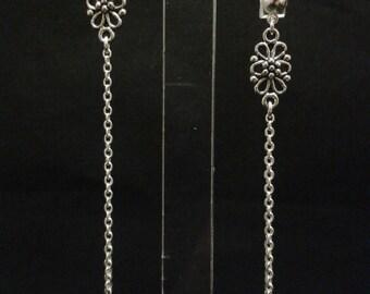 Vintage print flower with chains - silver Stud - 7cm loop