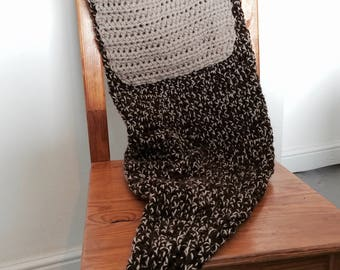 Crochet Kangaroo Tail Blanket With Pouch Pocket Detail Pattern, customisable sizing from baby to adult based on waist measurement