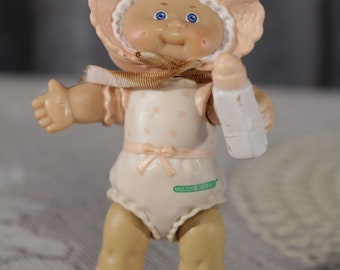 "Vintage Cabbage patch kids 80's PVC poseable figure 3"" Mini Figure Pink Baby with Bonnet and bottle Newborn Original Retro"
