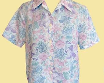 Womans vintage short sleeve floral  button down