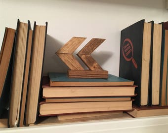 Rustic Arrow Shelf Art / Chevron Arrows