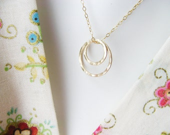 14k Gold Filled MOM Necklace - Rings Representing Mom and her Children - POEM Included Mom Jewelry Modern - Simple Gold Necklace