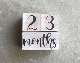 Baby Milestone Blocks | Baby Age Blocks  | Wooden Baby Blocks | Baby Shower Gift | Baby Photo Prop | Personalized Baby Blocks