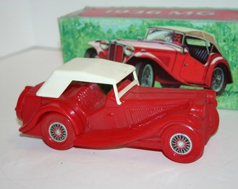 Vintage Avon 1936 MG glass cologne decanter car in original box highly collectible